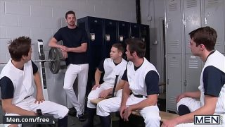 (Johnny Rapid) Shoots His Load While Getting Double Penetrated In An Orgy With His Coach (Andrew Stark) – Men